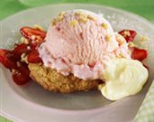 Strawberry Oatmeal Cookie Sundaes