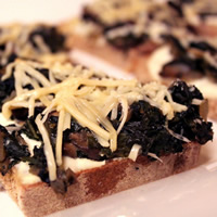 Mushroom and Spinach Tartines with Roasted Garlic Spread
