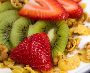 Kiwi, Strawberry and Granola