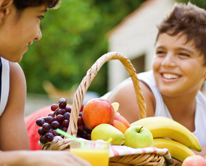 Smaller Entres Help Kids Eat More Fruits and Veggies: Main Image