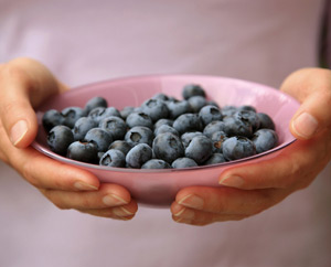 Women: Eating Antioxidants May Benefit Heart  : Main Image