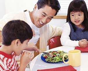 Tricks to Get Your Children to Eat Healthfully: Main Image