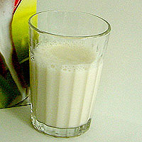 Almond Milk: Main Image