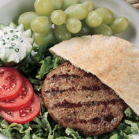 Gyro-Burger with Yogurt Sauce: Main Image