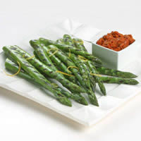Grilled Asparagus with Romesco Sauce: Main Image