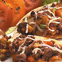 Barbecue Lamb Pita Pizza: Main Image