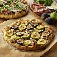 Black Mission Fig and Prosciutto Pizza: Main Image