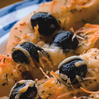 Garlic and Olive Focaccini: Main Image