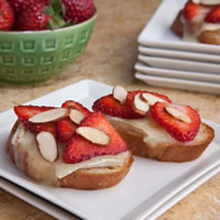 Strawberry and Brie Bruschetta: Main Image