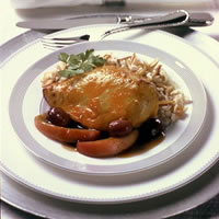 Cheddar-Crusted Chicken Breasts with Grapes and Apples in Grand Marnier Sauce: Main Image