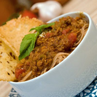 Spaghetti Bolognese Sauce with Parmesan Crisps: Main Image
