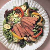 Beef Steak & Roasted Vegetable Salad: Main Image