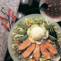 Japanese Beef Steak Salad with Sesame Dressing: Main Image