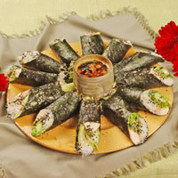 Chicken Nori Salad Rolls: Main Image