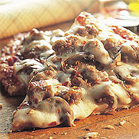 Cheesy Sausage and Mushroom Pizza: Main Image