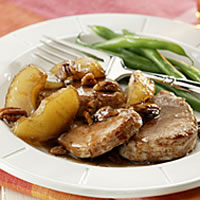 Apple-Pecan Tenderloin Medallions: Main Image