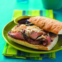 Spanish Beef Dips with Caramelized Manchego Onions: Main Image