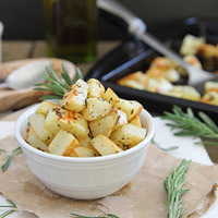 Garlic Rosemary Roasted Potatoes: Main Image