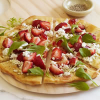 Strawberry and Goat Cheese Pizza: Main Image