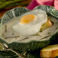 Asparagus Soup with Fried Egg Baguette: Main Image