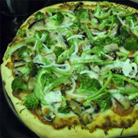 Broccoli and Portobello Mushroom Pizza: Main Image