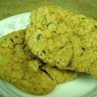 Dark Chocolate Chip Oatmeal Cookies: Main Image