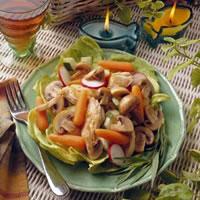 Warm Mushroom and Chicken Salad Provençal: Main Image