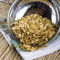 Curry Roasted Pumpkin Seeds: Main Image