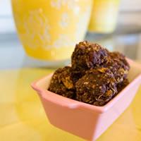 Cherry Nut Macaroons: Main Image